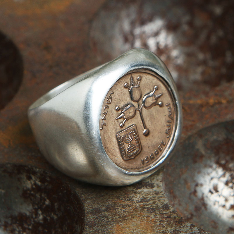 autentica di fabbrica ff60c 3b33f Silver signet ring with original coin.